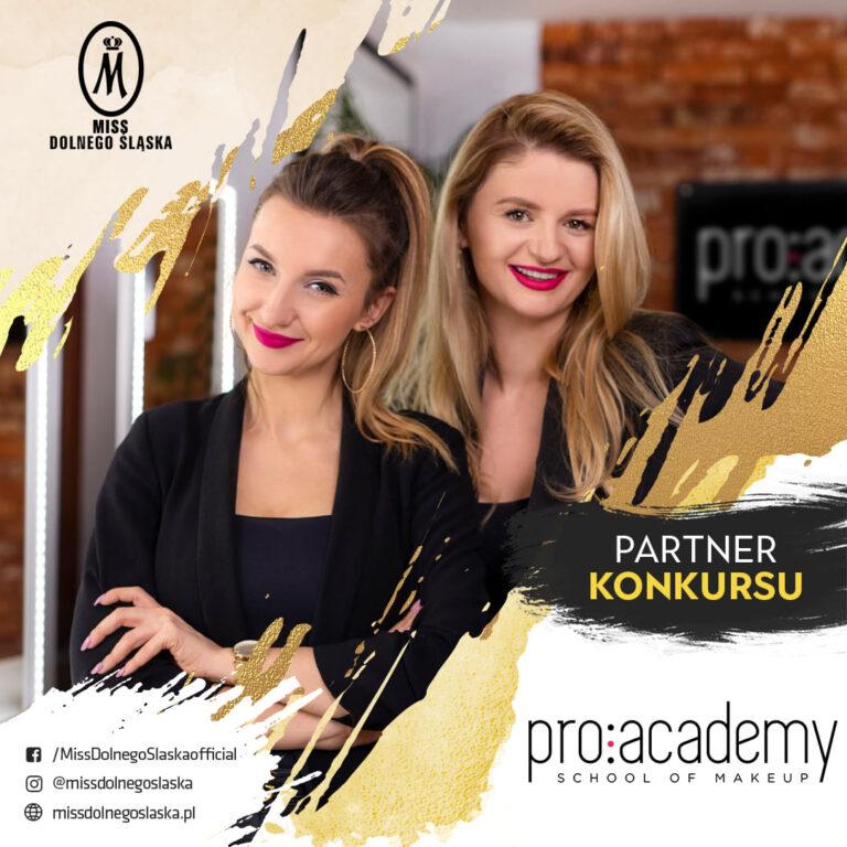 Jedna z najlepszych szkół w branży wizażowej w Polsce kolejny rok z nami!
